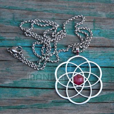 Přívěsek Infinity s rubínem