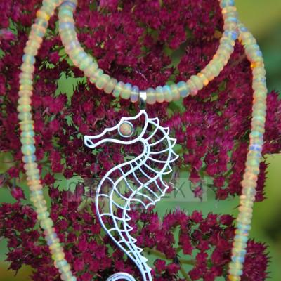 Přívěsek Mořský koník s oranžovým etiopským opálem