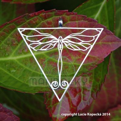 Přívěsek Vážka v trojúhelníku