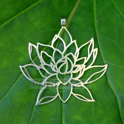 Přívěsek Rozkvétající lotos
